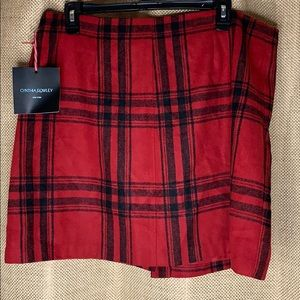 Plaid skirt never worn with tags